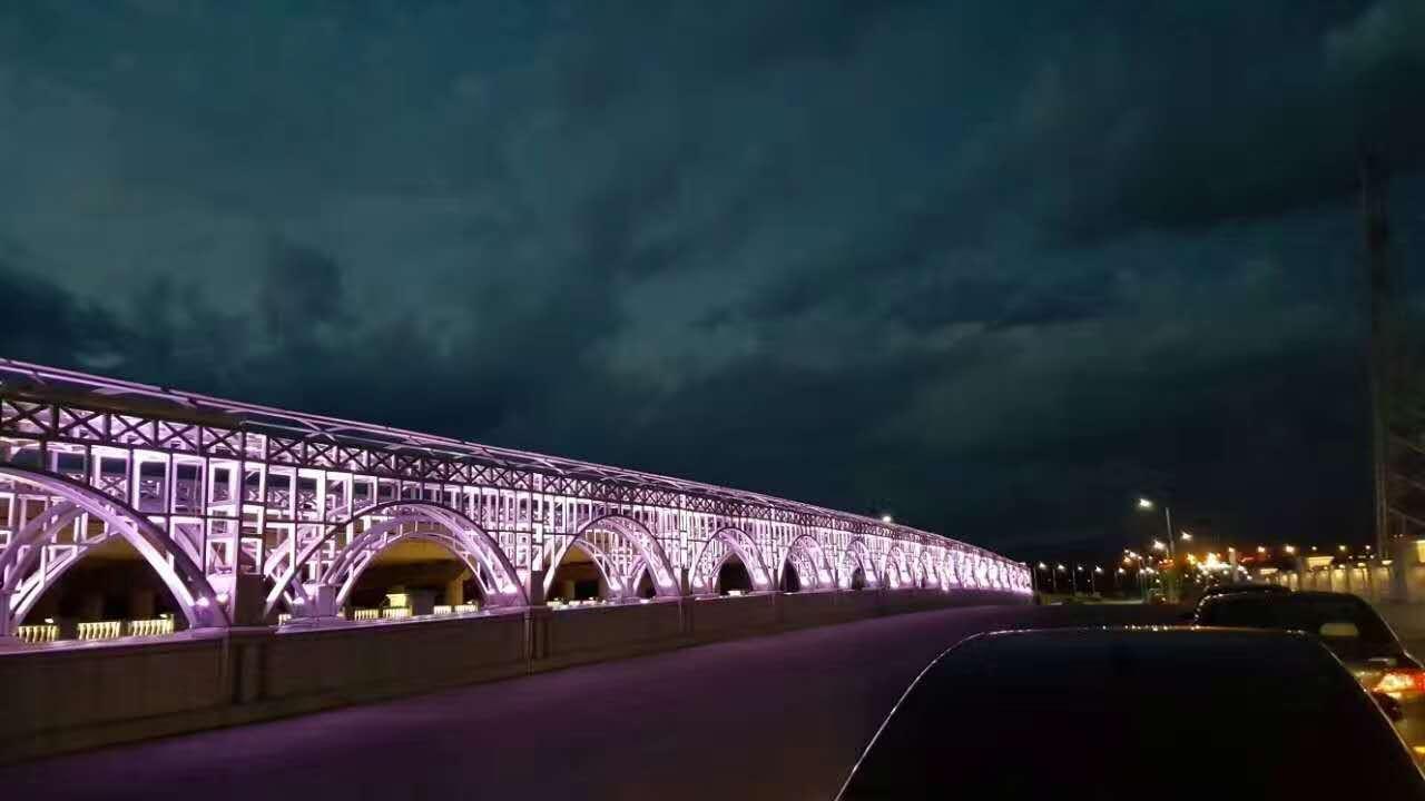 铁路桥亮化